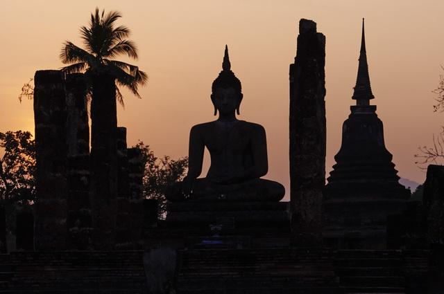 Top sites de rencontres Thaïlande Jamie Strachan Dakota Fanning datant